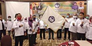 Arist Maredeka Sirait Lantik KOMNAS PA Provinsi Riau