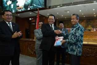 Pimpinan DPR RI Terima Ikhtisar Hasil Pemeriksaan Keuangan Semester I