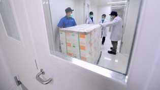 Pemerintah Jamin Beri Vaksin Gratis Warga di Zona Merah