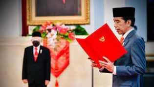 Jokowi Lantik Mendikbud-Ristek, Menteri Investasi, dan Kepala BRIN di Istana Negara
