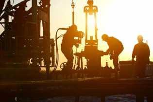 Harga minyak naik tipis setelah turun dua hari berturut-turut