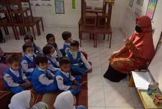 Kabut Asap Masih Kepung Pekanbaru, Siswa Sekolah Diwajibkan Pakai Masker