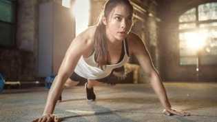 Saatnya Olahraga! 5 Gerakan Simpel Ini Bisa Buat Tubuh Tetap Bugar Sepanjang Hari
