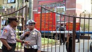 Penjagaan Polda Riau Diperketat Pasca Bom Polrestabes Medan