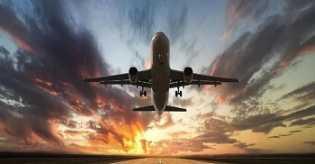 Catat! Harga Tiket Pesawat Turun Mulai Besok