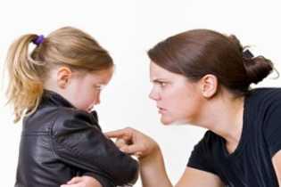 4 Sikap Orangtua yang Bisa Hancurkan Kepercayaan Diri Anak