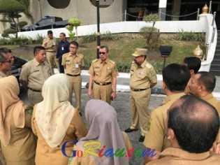 Gubri Syamsuar Ingatkan Kepala OPD Berikan Sanksi Tegas Bagi ASN dan THL yang Terlambat