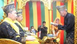 Apa Makna Tepuk Tepung Tawar Tradisi Adat Melayu Riau?
