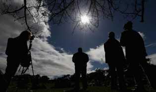 Mau Memotret Gerhana Matahari, Hati-hati Ini Tipsnya