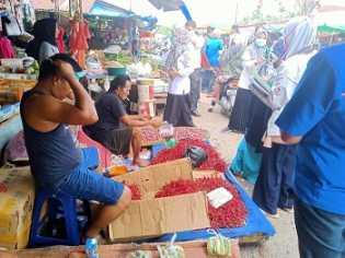 Datangi Pasar, Dinkes Riau Temukan Banyak Warga Tak Bermasker Padahal PSBB