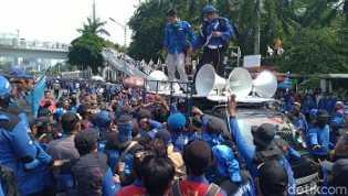 Buruh Bakal Demo Besar-besaran Tolak Omnibus Law