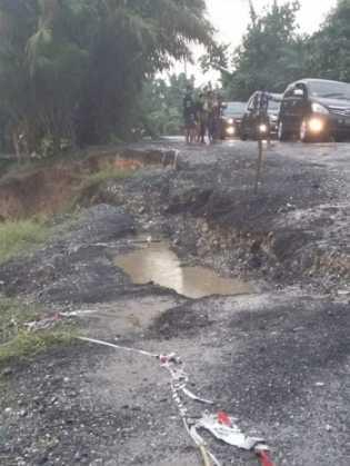 Longsor Jalan di Kuala Cenaku, Pemprov Harus Segera Bertindak