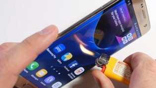 Galaxy S7, Bisa Diiris, Dibakar, dan Dilengkungkan