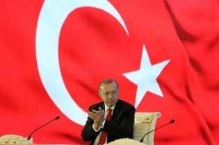 Erdogan Lacak Corona di Turki Via Ponsel, Tiru Jokowi