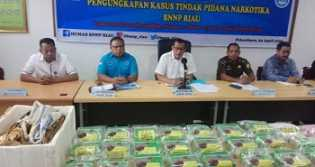 BNN Riau Tangkap 3 Kurir, 24 Kg Sabu dan 13 Ribu Ekstasi Disita