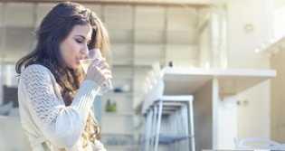 4 Manfaat Minum Air Hangat di Pagi Hari