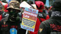 Hitungan 'Bonus' 5 Kali Gaji Buat Buruh di Omnibus Law