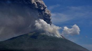 Merapi dan Deretan Gunung Api di Indonesia yang Sedang Erupsi