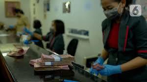 Terkuat di Masa Pandemi, Rupiah Tembus 13.885 per Dolar AS