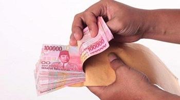 Jokowi Mau Rombak Sistem Upah Karyawan, Gaji Bulanan Akan ...
