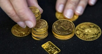 Harga Emas Antam Turun Rp 8.000/Gram
