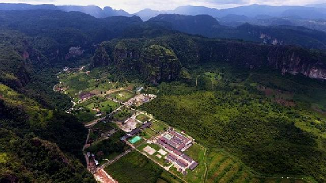 Keindahan destinasi wisata di Sumatera Barat.