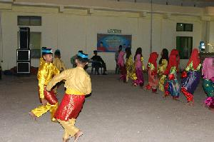 Kampung Zapin, Identitas Desa Meskom